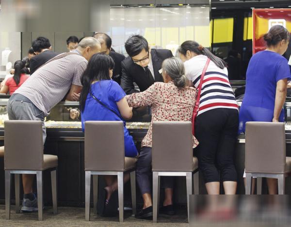 国庆黄金周香港经历最糟糕的黄金周