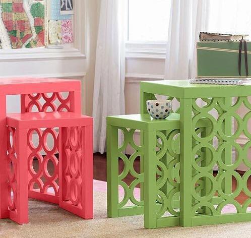 增添几件小单品 简约床头柜也可以漂亮