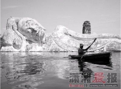 泰国洪水灾情严重 文化古迹水中浸泡一个半月