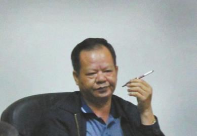 """深圳""""20亿村官""""今受审76栋物业每月收租百万"""