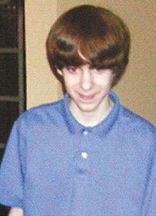 桑迪·胡克小学枪击案疑犯亚当。