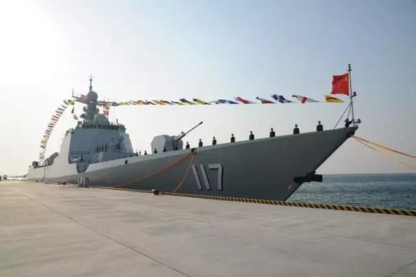 英媒:中国新型导弹驱逐舰敏感时刻在黄海实弹演习