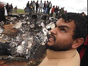 实拍美空军在利比亚坠毁F-15E战机残骸
