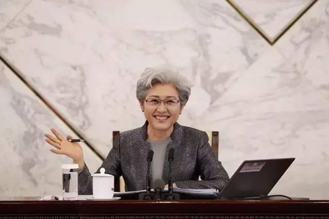 """两会鲜知道 人大今天""""亮相"""" 政协分组""""开讲"""""""