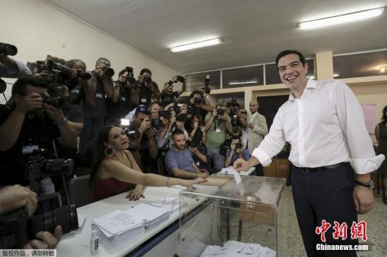 希腊公投显示不接受救助协议 或被迫退出欧元区