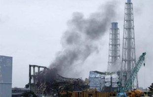 福岛第一核电站2号机组冒蒸汽