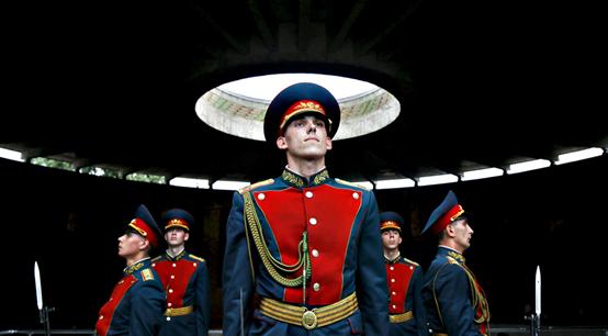 俄军曾因体系僵化吃亏 为改革不惜解除三军司令