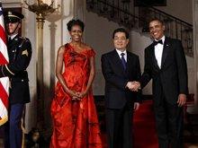 国宴前胡锦涛与奥巴马夫妇合影