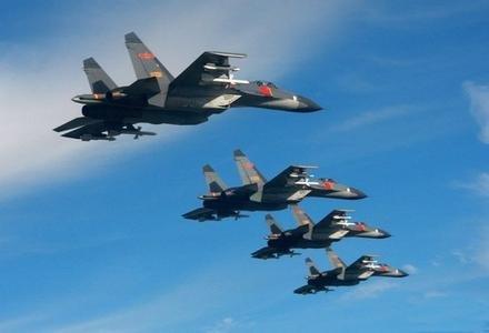 资料图:中国空军苏27四机编队飞行