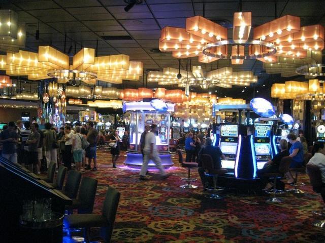 澳赌博集团18名员工在华被拘 疑招揽中国客豪赌