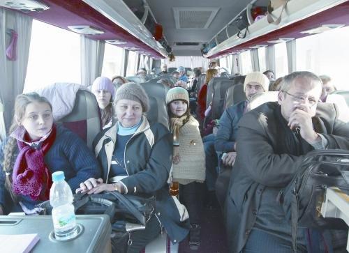 俄罗斯派飞机接在叙利亚俄公民回国