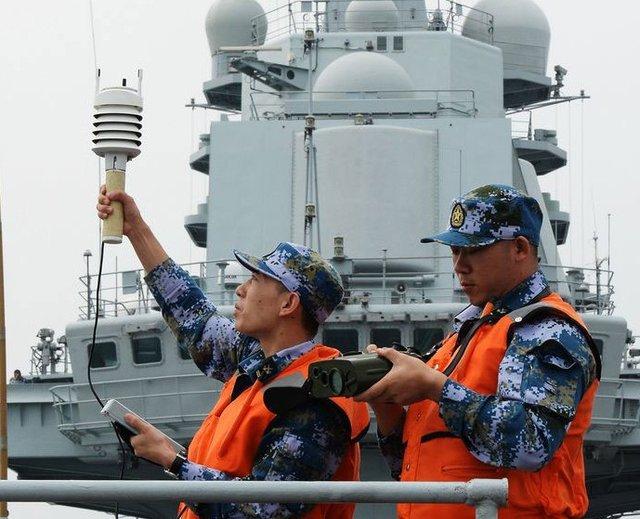 中国航母首次南海训练 外国武官:不得了的事