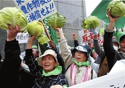 前首相鸠山携60多名议员逼宫 要求菅直人下台