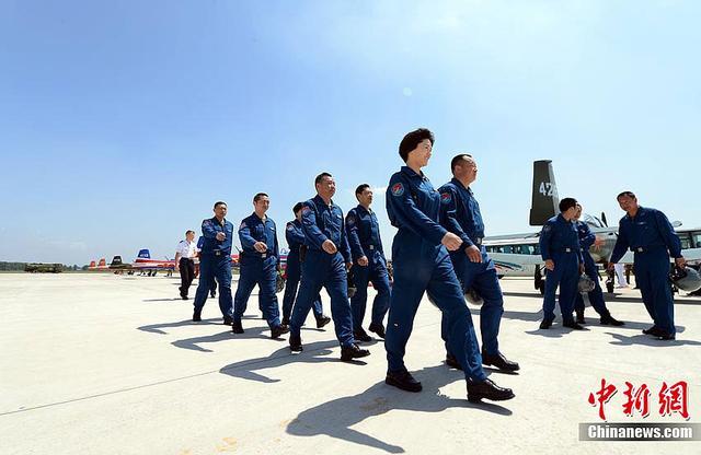 空军调整飞行员招录原则 拟在西藏开展招飞试点