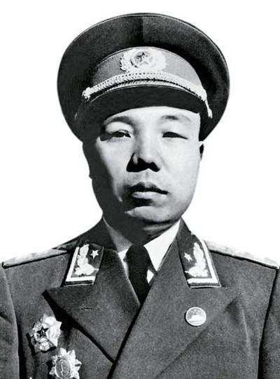 中国最年轻的将军_图 中国最年轻的将军是谁曾58岁带步枪指挥作战 九州