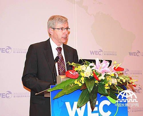 第六届世界环保大会组委会在北京召开主席团高级别圆桌会议暨第三届国际碳金奖发布盛典,加拿大驻华大使Guy Saint-Jacques(赵朴)发表演讲
