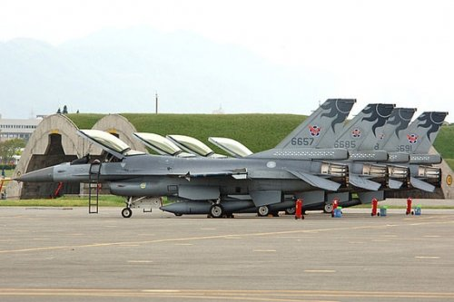 美前官员:布什没有售台F-16C/D是大失策(图)
