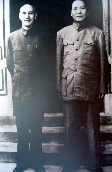 被人為拔高的毛澤東︰身高遠不到1.83米 應為1.72米左右