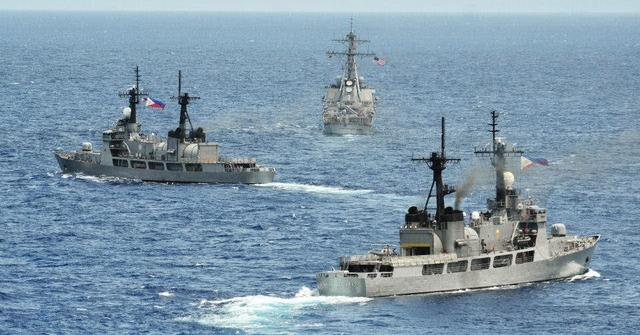 菲防长:已通知美国暂停与美军联合巡逻南海