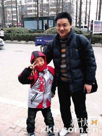 彭高峰微博寻子成功 原谅儿子养母(图)_新闻_腾