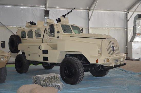 CS/VP4防地雷反伏击车首次亮相 填补国内空白