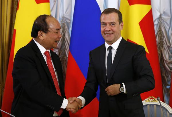 """越南布局""""双轴""""外交:拉扰美日对南海狼狈为奸"""