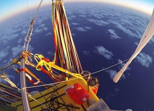 飞行员乘氦气球跨太平洋 或创全球最远纪录(图)