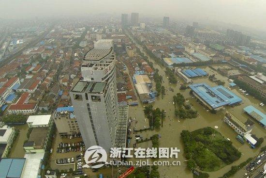 的强降雨影响,宁波余姚受涝严重,备受人们关注.余姚城区受涝情