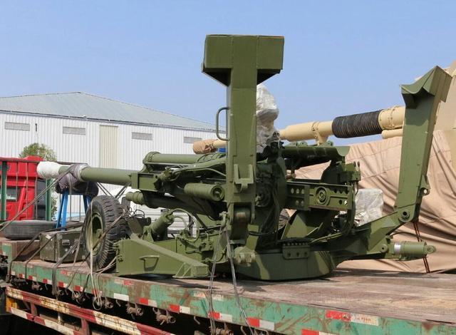 中国超轻型155榴弹炮亮相珠海航展 全重仅3吨