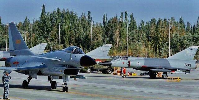 中巴空军在中国境内举行多兵(机)种联合训练