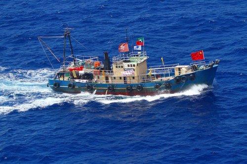 14名香港保钓人士海空两路回国 将开回保钓船