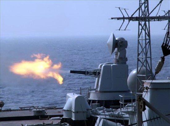 南海舰队分组对抗:新战舰用近防炮拦下来袭导弹