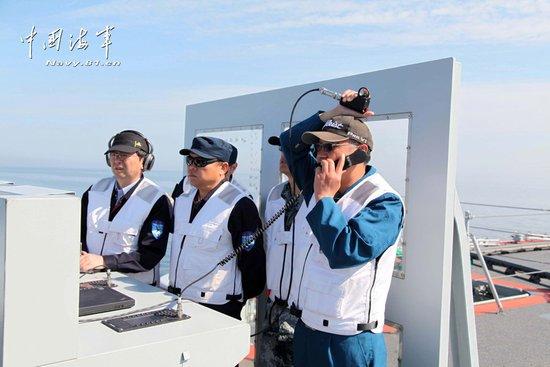 歼-15再次在辽宁舰起降 将进行首次驻舰飞行