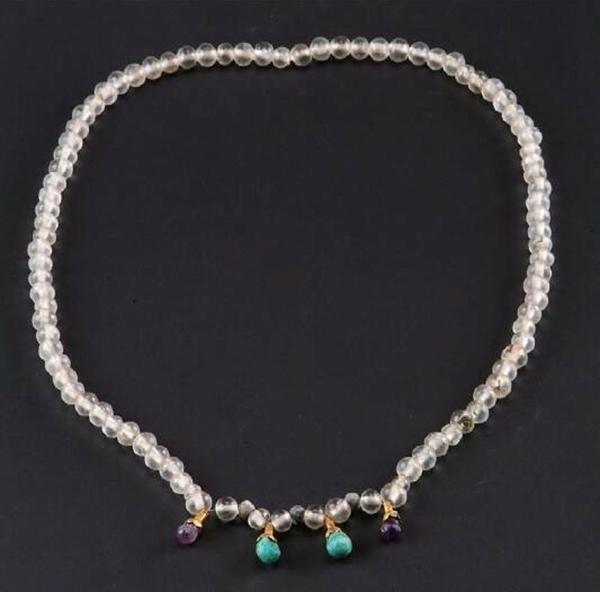 唐代贵妇所戴精美水晶项链