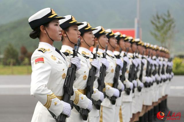 仪仗队女兵将初次表态阅兵 bwin开户1.78米