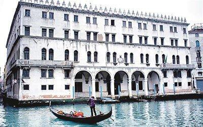 """威尼斯著名地标,建于1505年的4层高文艺复兴建筑""""fondaco dei"""