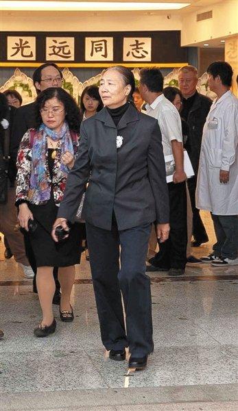 原中顾委委员于光远遗体告别仪式昨日举行(图)