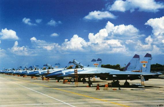 港媒:中国强化空军作战技能 不缺战机和资金