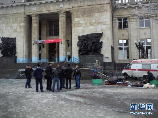 俄伏尔加格勒一警察保护公众 扑倒自杀人弹牺牲_新闻_腾讯网 - 自由百姓 - 我的博客