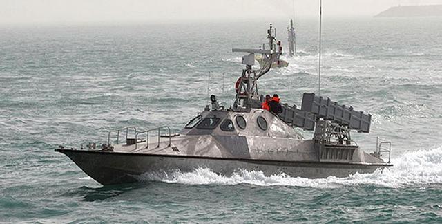 """美媒称伊朗超级军演展示""""绝对优势"""":威吓美军"""