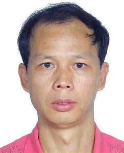 湖南百余警力围堵 公安部A级通缉犯汤小林自首
