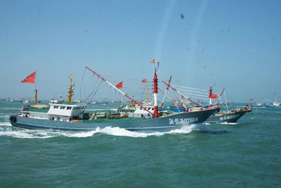 印尼总统今日视察抓扣中国渔船基地 共扣押57艘渔船