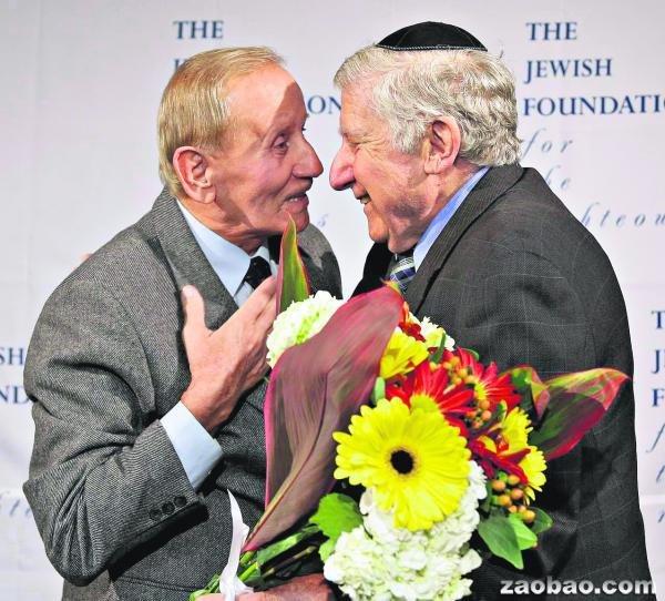 纳粹屠杀幸存者70年后与恩人重逢 感慨万千(图)