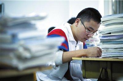 南科大校长朱清时:反对让学生回去参加高考