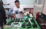 这家枪支改造厂被警方捣毁 竟设在学生宿舍里