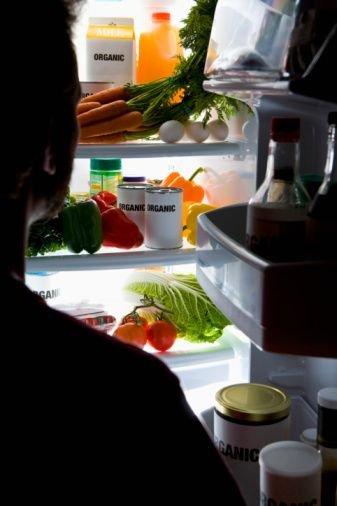 专家告诉你哪些食物不能放进冰箱
