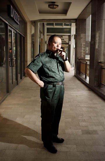 乔良少将:南海棋局复杂 指责我军怕打仗太可笑