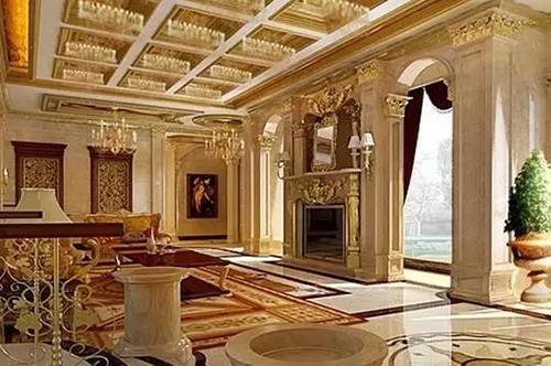 大气的室内门令欧式韵味更加浓烈,左侧白色拱形酒柜,避免空间过于单调