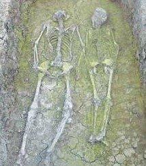 四川考古发现一前石器时代古代夫妻合葬墓穴