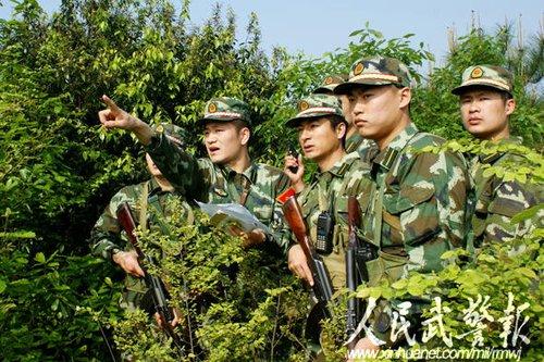 武警武汉指挥学院毕业学员进行综合演练